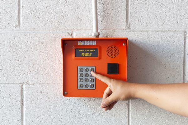 Public Storage - Los Angeles - 6840 Santa Monica Blvd 6840 Santa Monica Blvd Los Angeles, CA - Photo 4