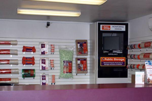 Public Storage - Milwaukie - 17501 SE McLoughlin Blvd 17501 SE McLoughlin Blvd Milwaukie, OR - Photo 2
