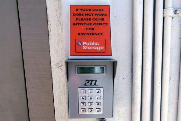 Public Storage - Pleasanton - 3716 Stanley Blvd 3716 Stanley Blvd Pleasanton, CA - Photo 4