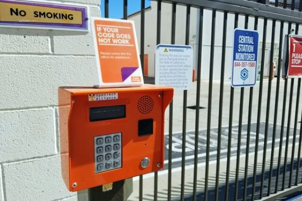 Public Storage - Stanton - 10792 Knott Ave 10792 Knott Ave Stanton, CA - Photo 4