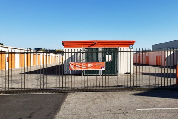 Public Storage - San Carlos - 145 Shoreway Road 145 Shoreway Road San Carlos, CA - Photo 3