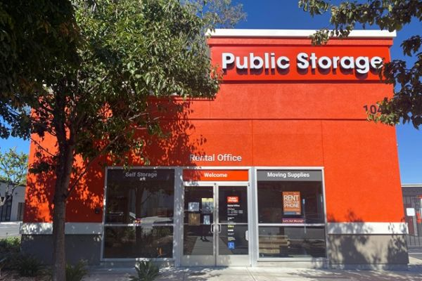 Public Storage - Mountain View - 1040 Terra Bella Ave 1040 Terra Bella Ave Mountain View, CA - Photo 0