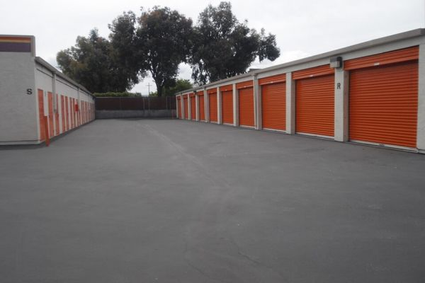 Public Storage - Mountain View - 1040 Terra Bella Ave 1040 Terra Bella Ave Mountain View, CA - Photo 1