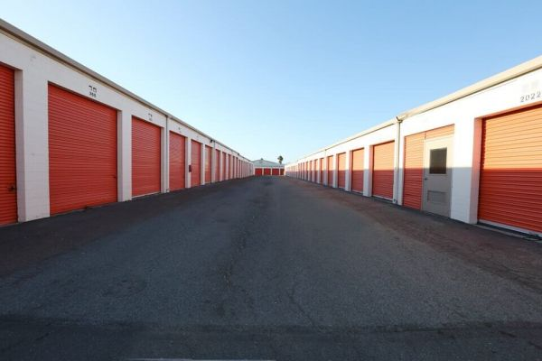 Public Storage - El Cajon - 1047 N Johnson Ave 1047 N Johnson Ave El Cajon, CA - Photo 1