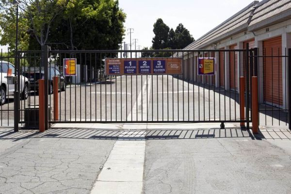 Public Storage - Huntington Beach - 5892 McFadden Ave 5892 McFadden Ave Huntington Beach, CA - Photo 3