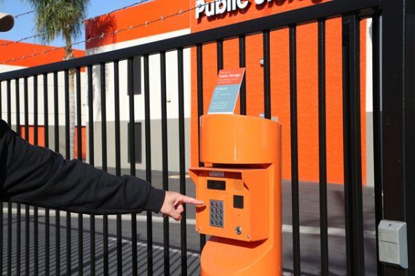 Public Storage - Los Angeles - 5741 W Jefferson Blvd 5741 W Jefferson Blvd Los Angeles, CA - Photo 4