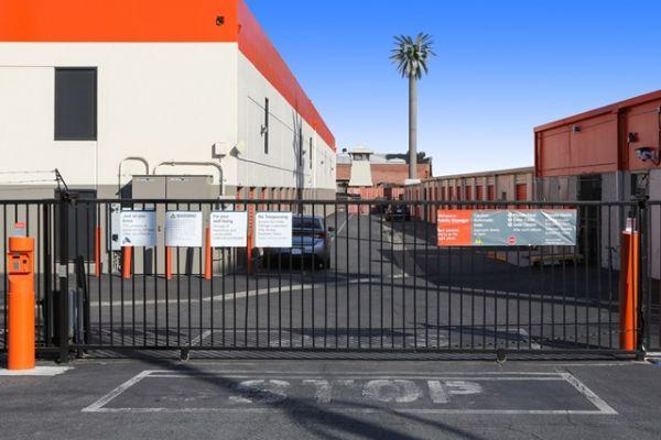 Public Storage - Los Angeles - 5741 W Jefferson Blvd 5741 W Jefferson Blvd Los Angeles, CA - Photo 3