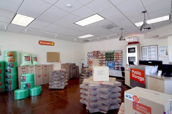 Public Storage - Shoreline - 14900 Aurora Ave N 14900 Aurora Ave N Shoreline, WA - Photo 2