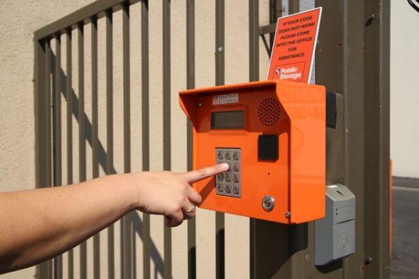 Public Storage - Los Angeles - 3017 N San Fernando Rd 3017 N San Fernando Rd Los Angeles, CA - Photo 4