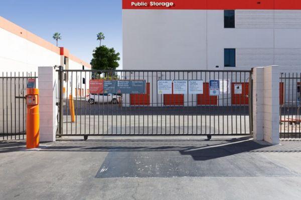 Public Storage - Glendale - 4820 San Fernando Rd 4820 San Fernando Rd Glendale, CA - Photo 3