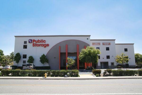 Public Storage - Oxnard - 161 E Ventura Blvd 161 E Ventura Blvd Oxnard, CA - Photo 0