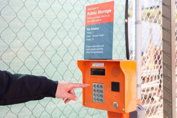 Public Storage - Los Angeles - 6701 S Sepulveda Blvd 6701 S Sepulveda Blvd Los Angeles, CA - Photo 4