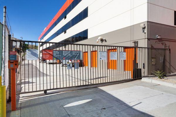 Public Storage - Los Angeles - 6701 S Sepulveda Blvd 6701 S Sepulveda Blvd Los Angeles, CA - Photo 3