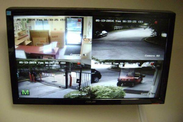Public Storage - Castro Valley - 2497 Grove Way 2497 Grove Way Castro Valley, CA - Photo 3