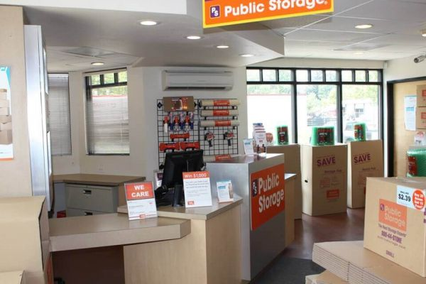 Public Storage - Milwaukie - 3701 SE International Way 3701 SE International Way Milwaukie, OR - Photo 2