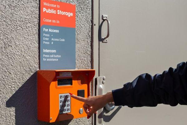 Public Storage - Culver City - 11510 Jefferson Blvd 11510 Jefferson Blvd Culver City, CA - Photo 4