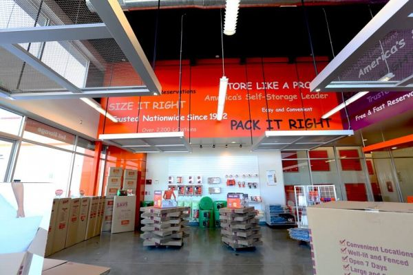 Public Storage - Hawthorne - 4880 W Rosecrans Ave 4880 W Rosecrans Ave Hawthorne, CA - Photo 2