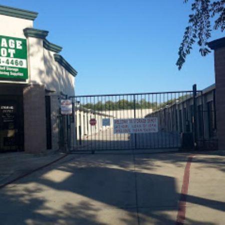 iStorage San Antonio Huebner Rd. 9031 Huebner Road San Antonio, TX - Photo 0
