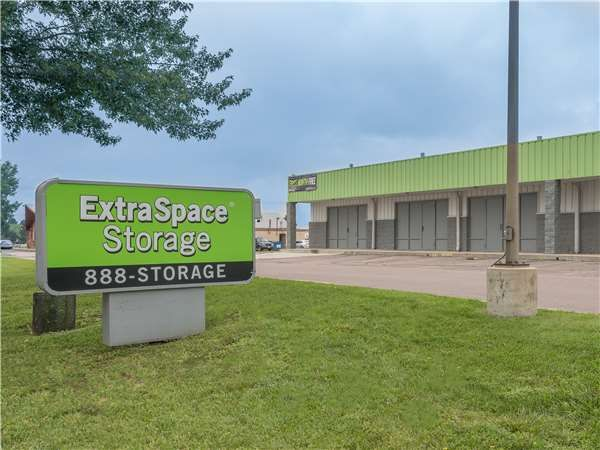 Extra Space Storage - Colorado Springs - Arlington Dr 2515 Arlington Drive Colorado Springs, CO - Photo 6