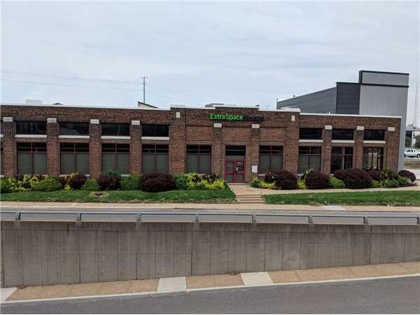 Extra Space Storage - Maplewood - Big Bend Blvd 3281 South Big Bend Boulevard St. Louis, MO - Photo 6