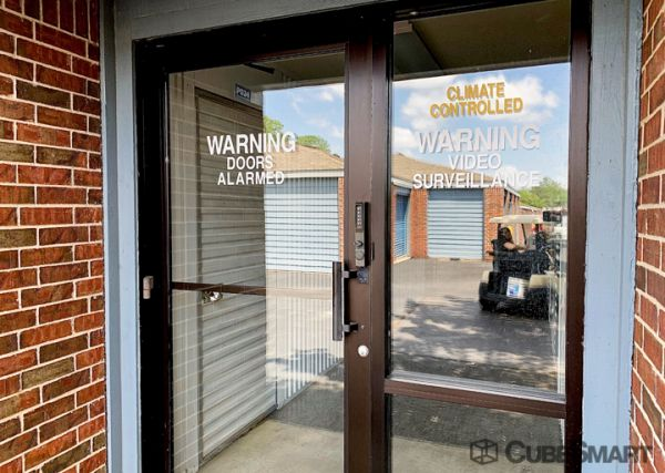 CubeSmart Self Storage - TX Arlington S Cooper Street 3057 South Cooper Street Arlington, TX - Photo 7