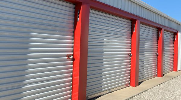 Cardinal Storage 1038 North Madison Street Webb City, MO - Photo 0