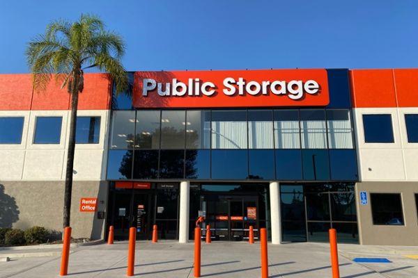 Public Storage - San Diego - 12340 World Trade Dr