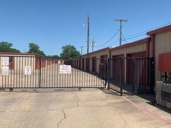 O'Connor Self Storage 550 North O'connor Road Irving, TX - Photo 0