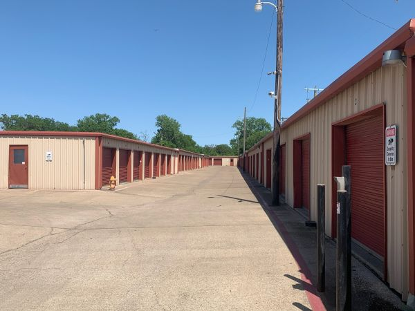 O'Connor Self Storage 550 North O'connor Road Irving, TX - Photo 1