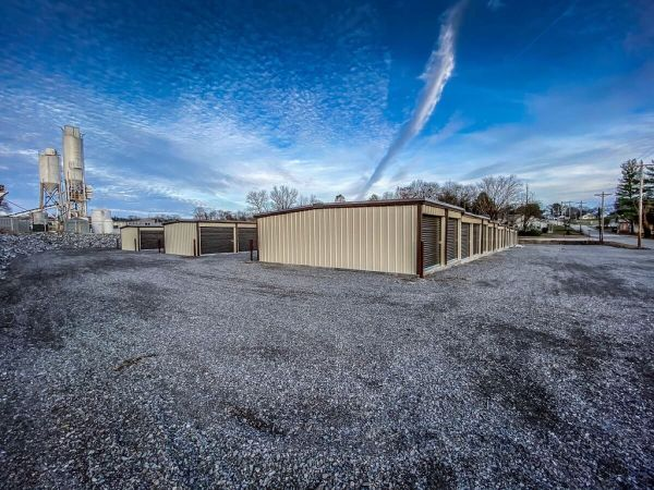 Creekbank Storage 113 White Oak Street Hartsville, TN - Photo 1