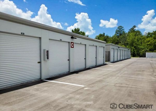 CubeSmart Self Storage - FL Tarpon Springs Highway 19 N 38932 US Highway 19 North Tarpon Springs, FL - Photo 2