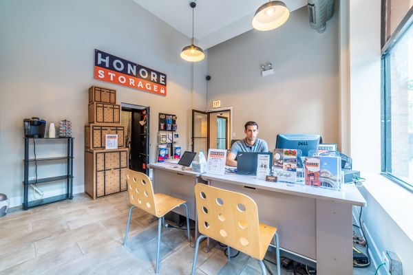 Honore Storage - Andersonville 5147 North Clark Street Chicago, IL - Photo 2