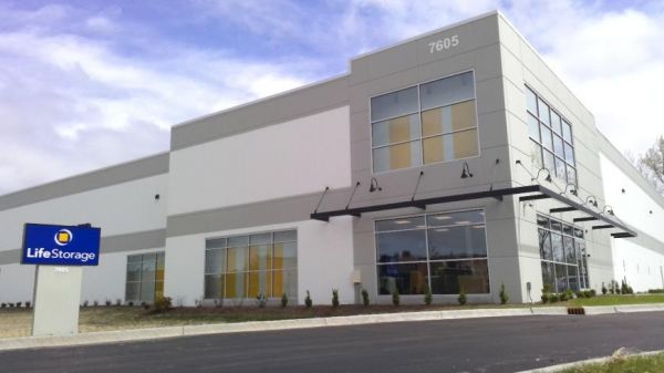 Life Storage - Willowbrook - 7605 South Quincy Street 7605 South Quincy Street Willowbrook, IL - Photo 0