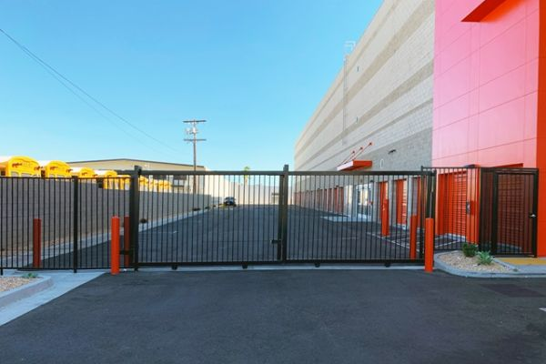Public Storage - North Hollywood - 12610 Raymer Street 12610 Raymer Street North Hollywood, CA - Photo 3