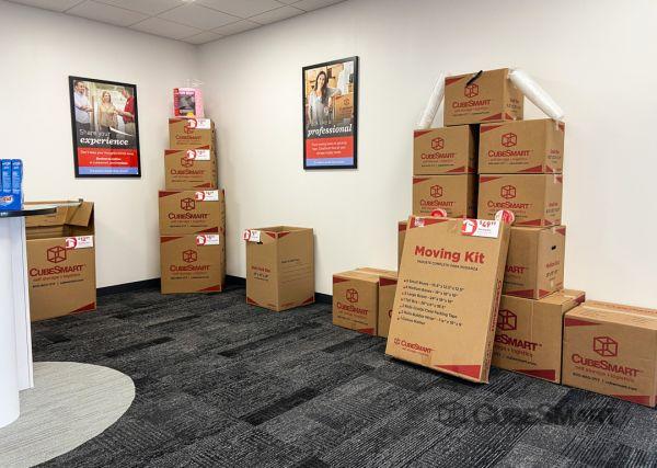 CubeSmart Self Storage - FL Orlando Conroy Storage Lane 4752 Conroy Storage Lane Orlando, FL - Photo 3