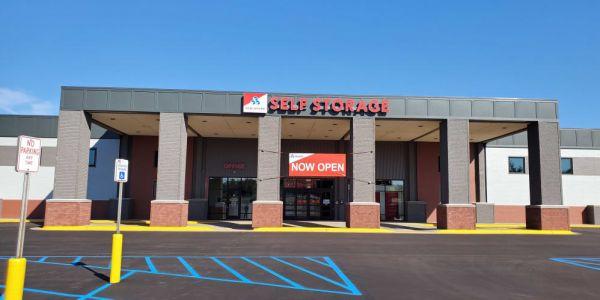 Devon Self Storage - DGP 4111 Plainfield Avenue Northeast Grand Rapids, MI - Photo 0