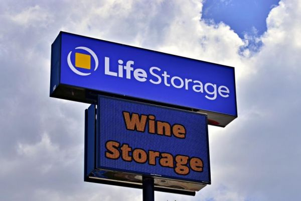 Life Storage - San Antonio - 1062 Northeast Interstate 410 Loop 1062 Northeast Interstate 410 Loop San Antonio, TX - Photo 4