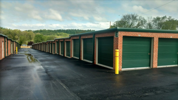 Tennessee Self Storage 1124 Louisville Highway Goodlettsville, TN - Photo 1