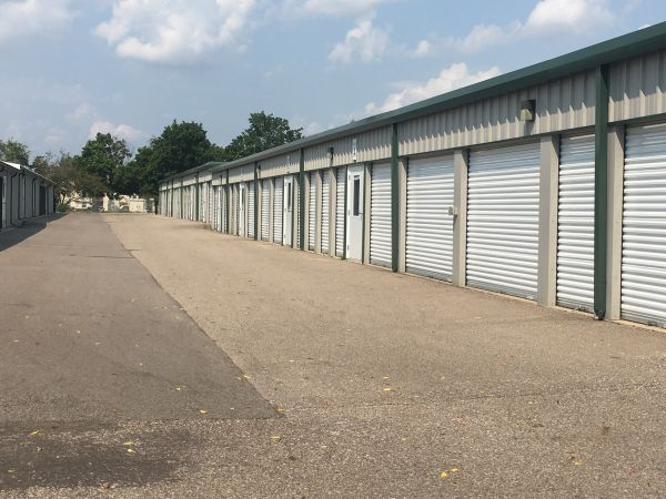 Devon Self Storage-DEA 6123 Eastern Avenue Southeast Grand Rapids, MI - Photo 3