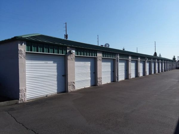 Glacier West Self Storage - Cobalt Storage Edgewood 2222 Meridian Avenue East Edgewood, WA - Photo 1