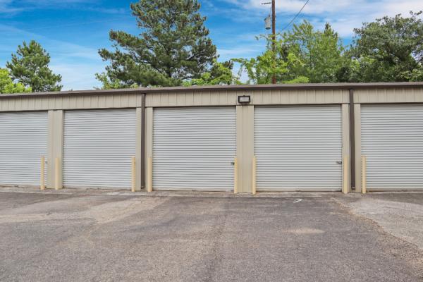 FreeUp Storage Tyler Shiloh Road 2707 Shiloh Road Tyler, TX - Photo 2