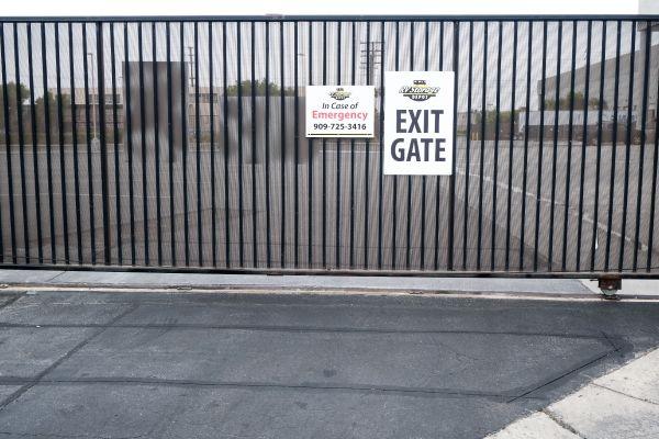 RV Storage Depot 13555 Excelsior Drive Norwalk, CA - Photo 4