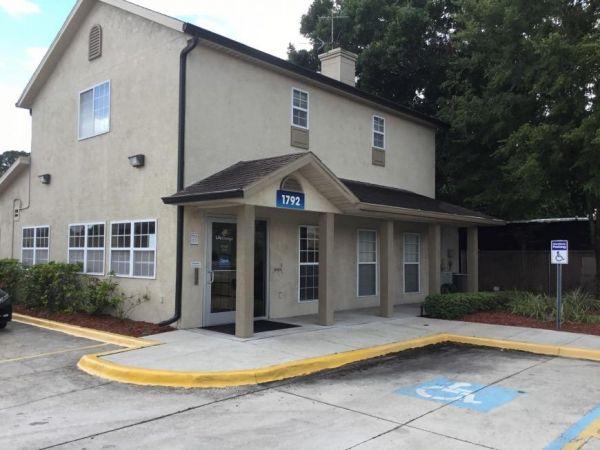 Life Storage - Tampa - 1792 West Hillsborough Avenue 1792 West Hillsborough Avenue Tampa, FL - Photo 2