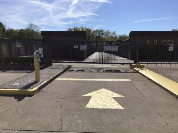 Life Storage - Louisville - 5215 Dixie Highway 5215 Dixie Highway Louisville, KY - Photo 8