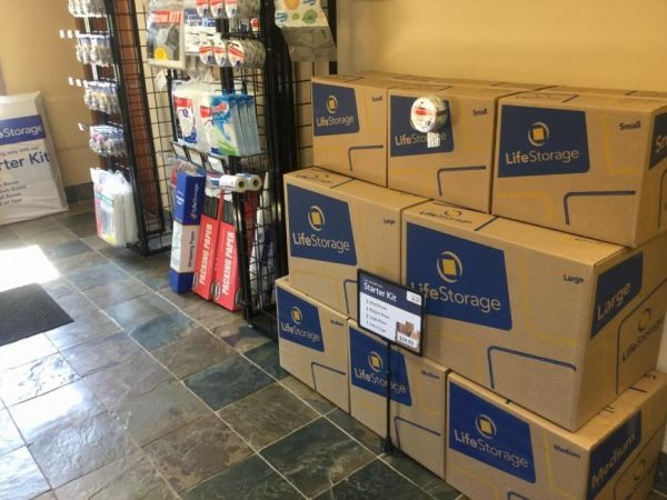 Life Storage - Hendersonville - 364 West Main Street 364 West Main Street Hendersonville, TN - Photo 5