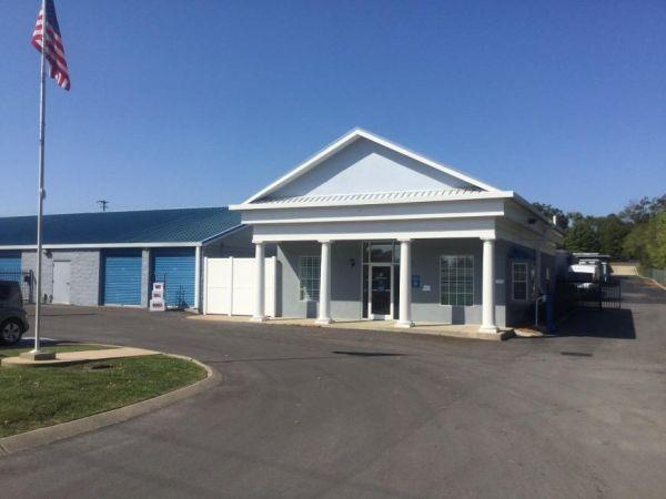 Life Storage - Hendersonville - 63 New Shackle Island Road 63 New Shackle Island Road Hendersonville, TN - Photo 3