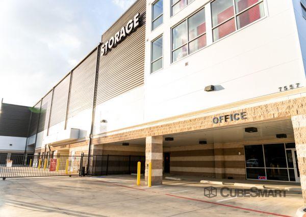 CubeSmart Self Storage - TX Dallas Greenville Avenue 7557 Greenville Avenue Dallas, TX - Photo 1