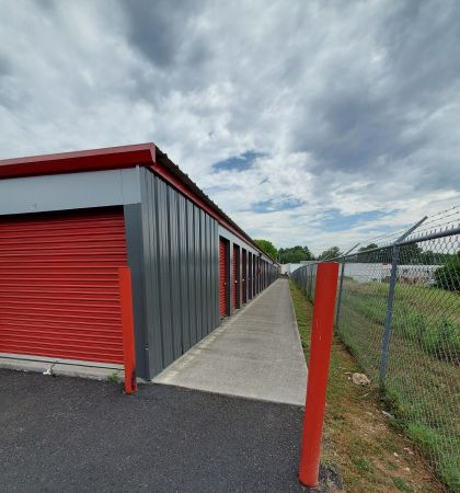 Storage King USA - 059 - Knoxville, TN - Clinton Hwy 6001 Clinton Highway Knoxville, TN - Photo 2