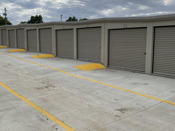 Urban Heights Storage 6715 Hickman Road Des Moines, IA - Photo 4