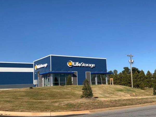 Life Storage - Thomasville - 1450 East Sunrise Avenue 1450 East Sunrise Avenue Thomasville, NC - Photo 0